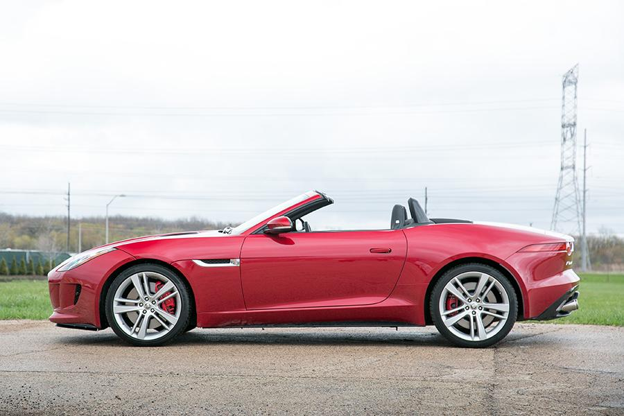 2014 Jaguar F-TYPE Photo 3 of 25