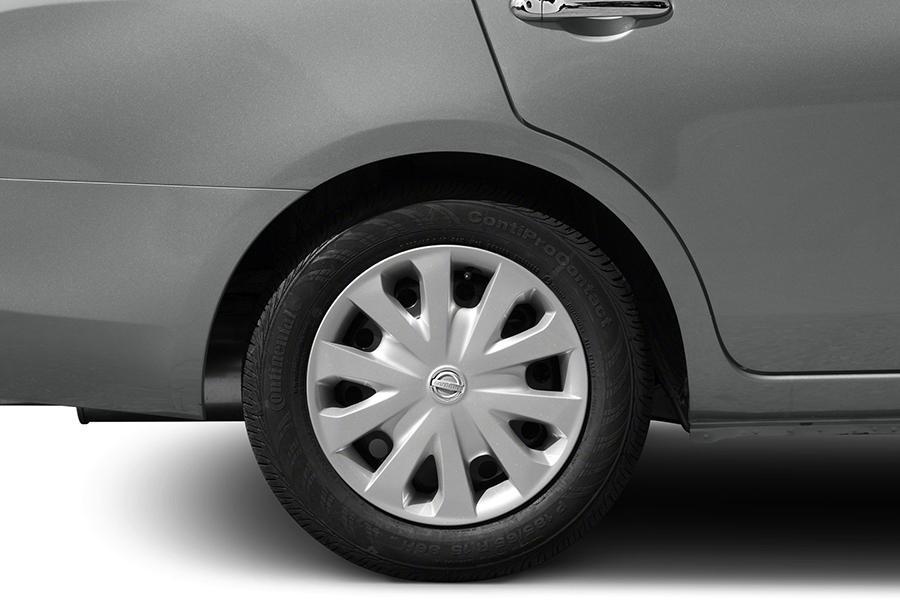 2014 Nissan Versa Photo 6 of 12