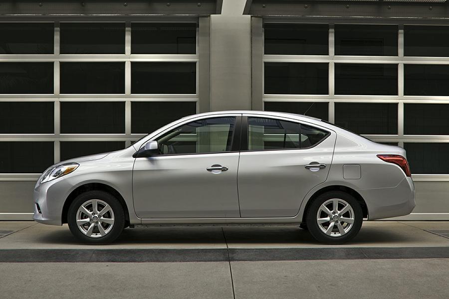2014 Nissan Versa Photo 3 Of 12