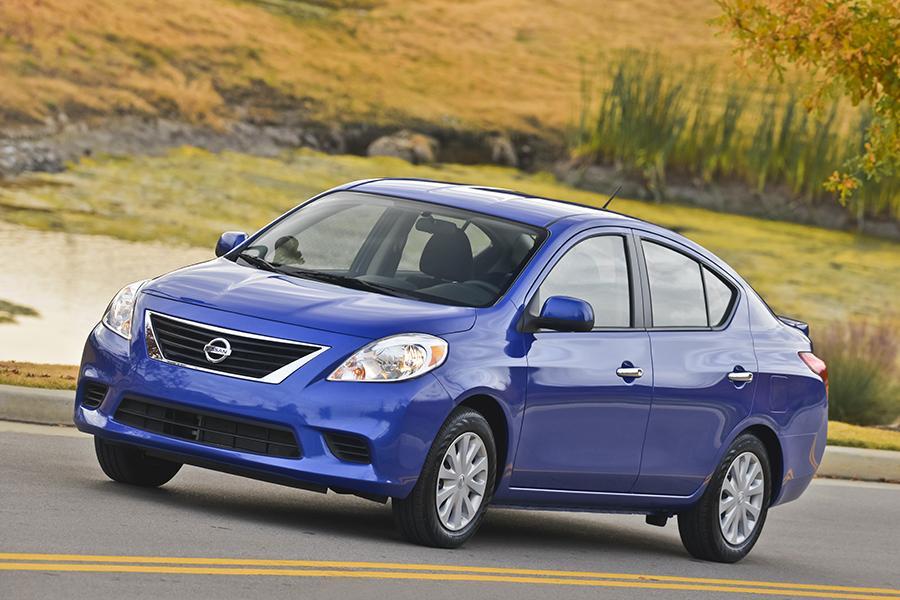 2014 Nissan Versa Photo 1 of 12