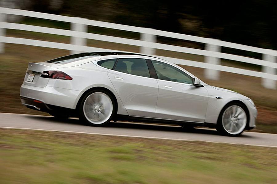 2014 Tesla Model S Photo 5 of 18