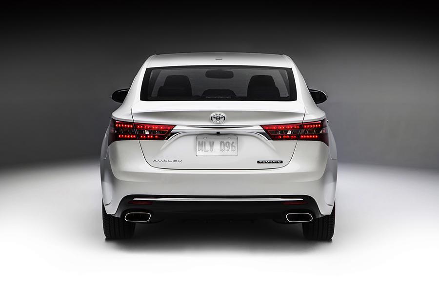 2016 Toyota Avalon Overview  Carscom