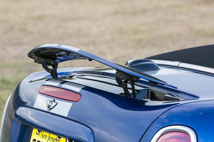 2014 MINI Roadster Photo 2 of 15