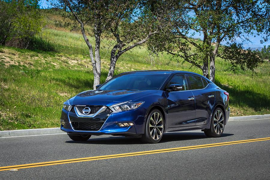 2016 Nissan Maxima Photo 1 of 18