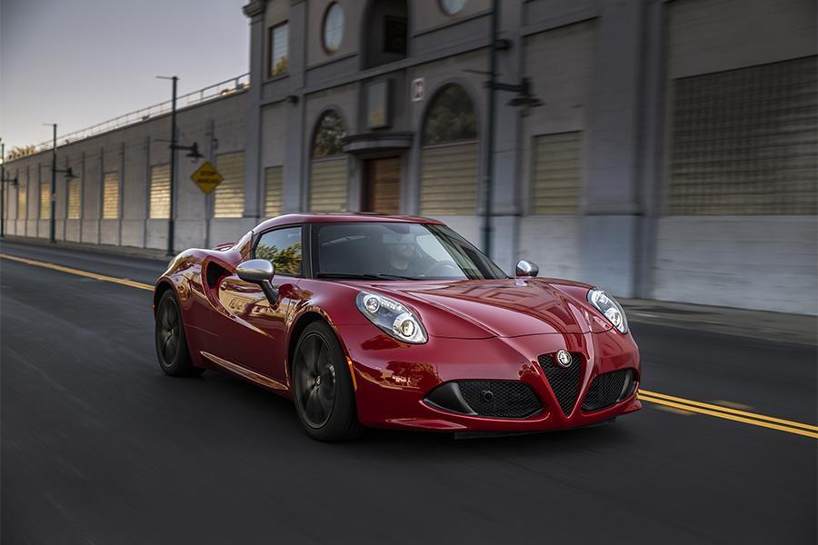 2015 Alfa Romeo 4C Photo 5 of 16