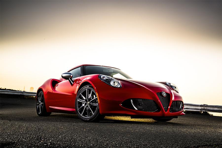 2015 Alfa Romeo 4C Photo 1 of 16