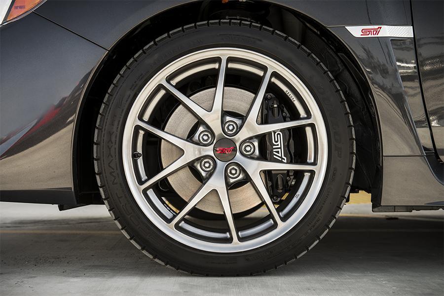 2016 Subaru WRX STI Photo 6 of 16