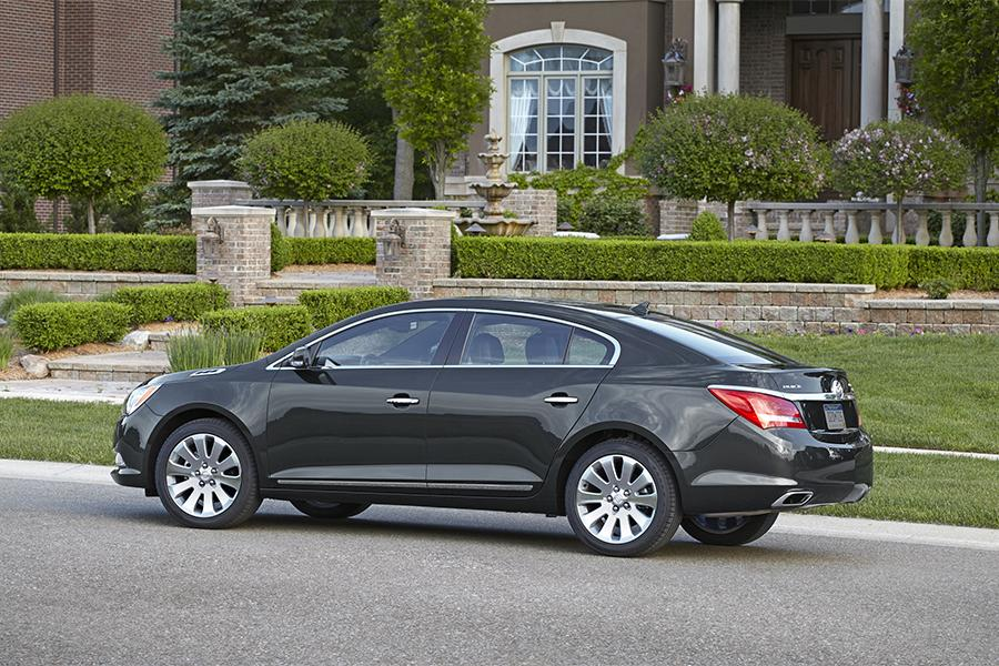 2016 Buick LaCrosse Photo 5 of 9