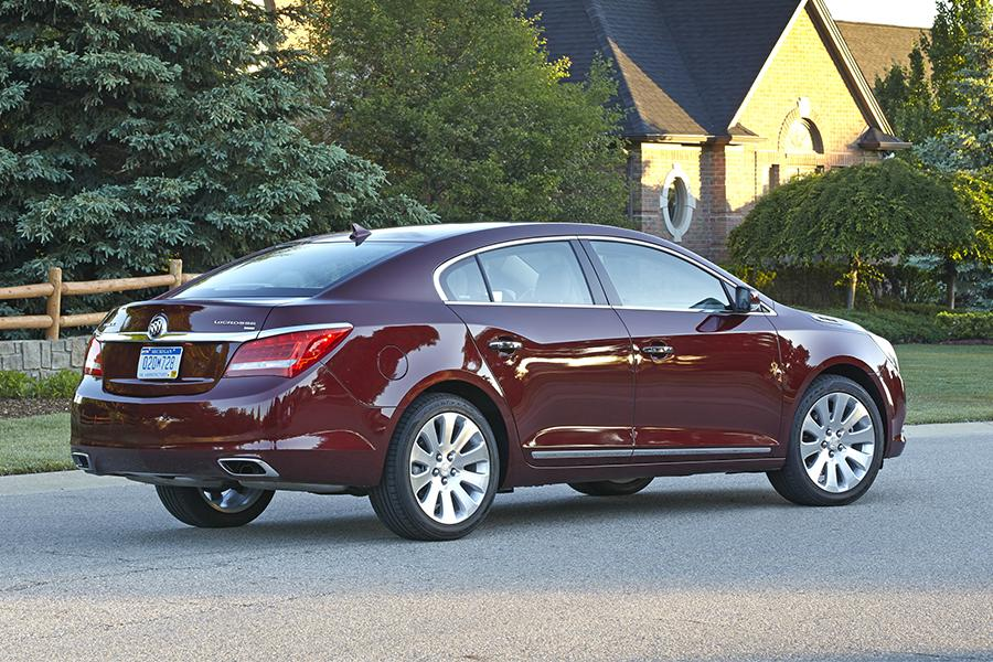 2016 Buick LaCrosse Photo 6 of 9