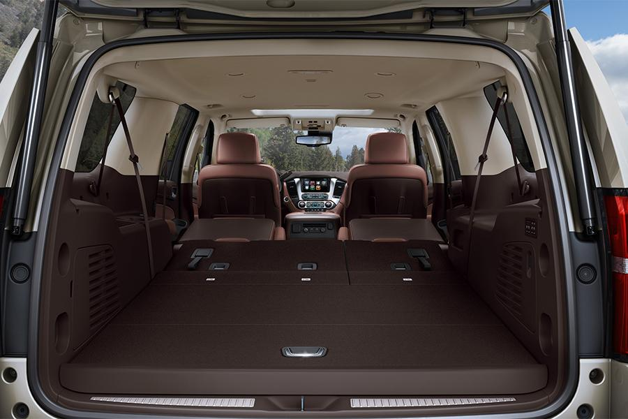 2016 Chevrolet Suburban Photo 6 of 6