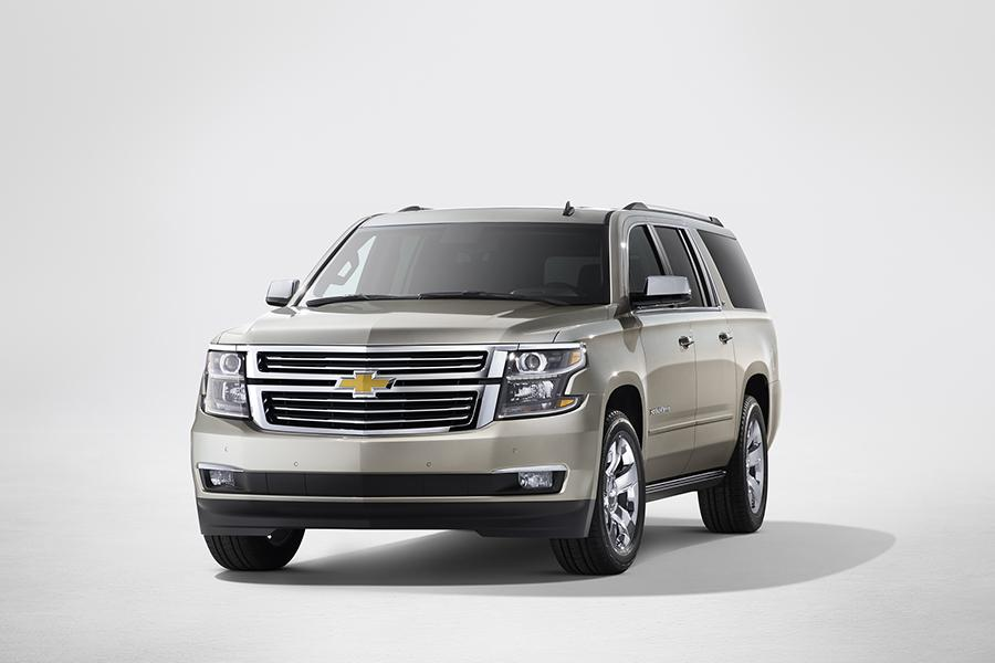 2016 Chevrolet Suburban Photo 2 of 6