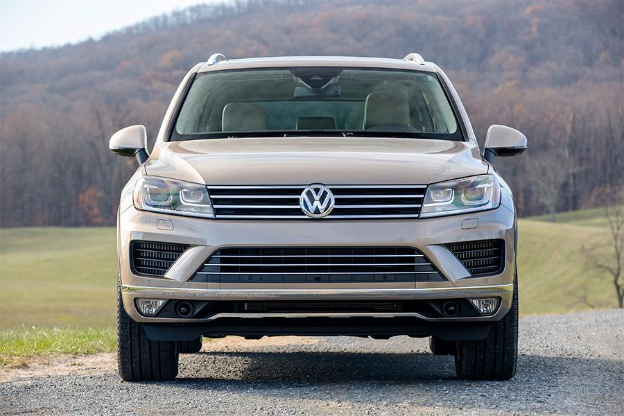 2016 volkswagen touareg overview. Black Bedroom Furniture Sets. Home Design Ideas
