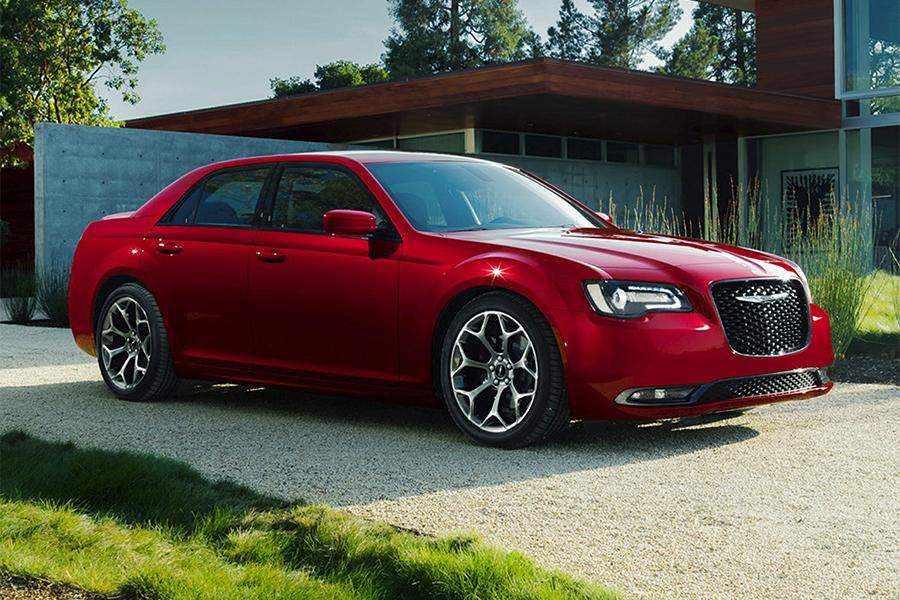 2016 chrysler 300 overview. Black Bedroom Furniture Sets. Home Design Ideas