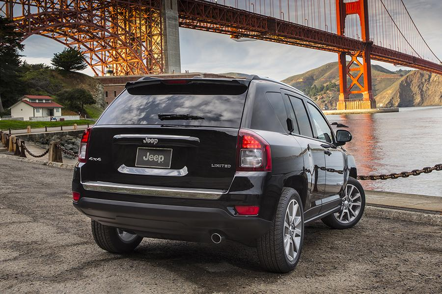 2016 Jeep Compass Photo 3 of 13