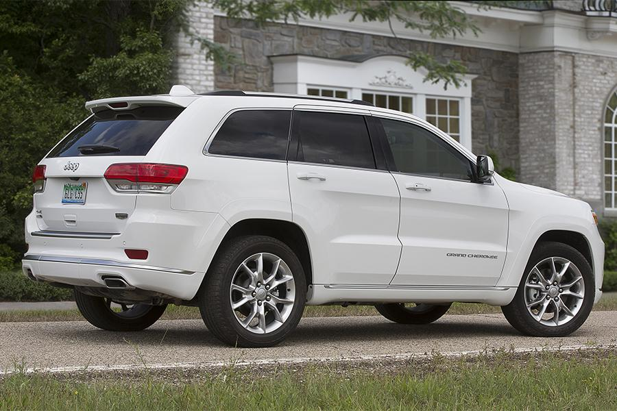 2016 Jeep Grand Cherokee Overview  Carscom