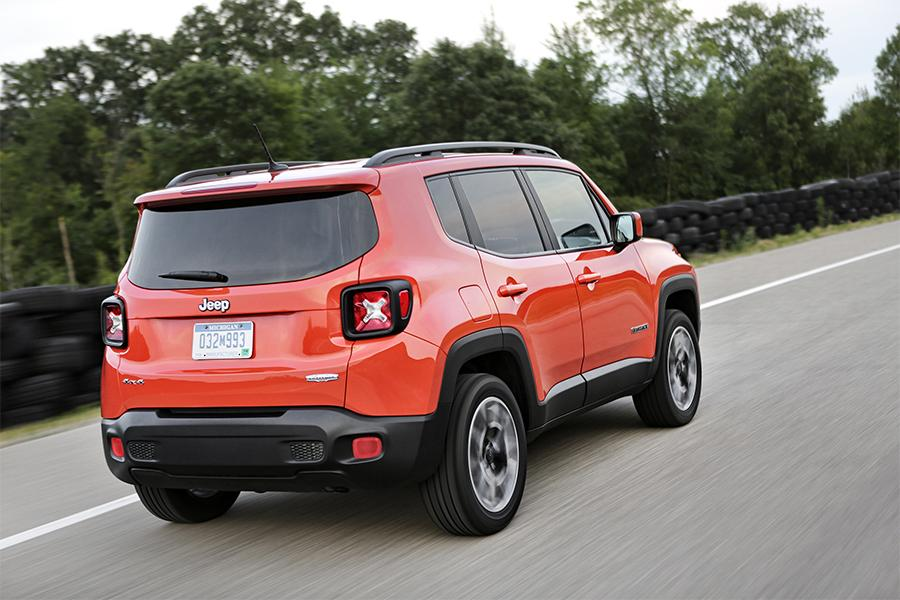 2016 jeep renegade overview. Black Bedroom Furniture Sets. Home Design Ideas