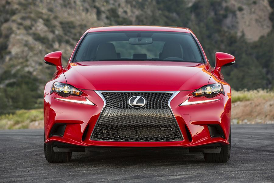 2016 Lexus IS 200t Photo 6 of 12