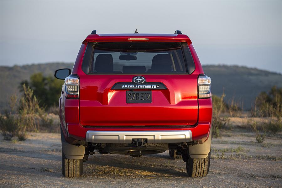 2016 Toyota 4Runner Photo 2 of 25