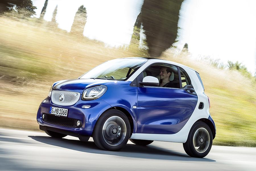 2016 smart fortwo reviews specs and prices. Black Bedroom Furniture Sets. Home Design Ideas