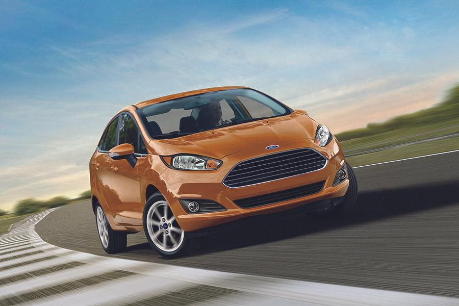 2016 Ford Fiesta Photo 3 of 17