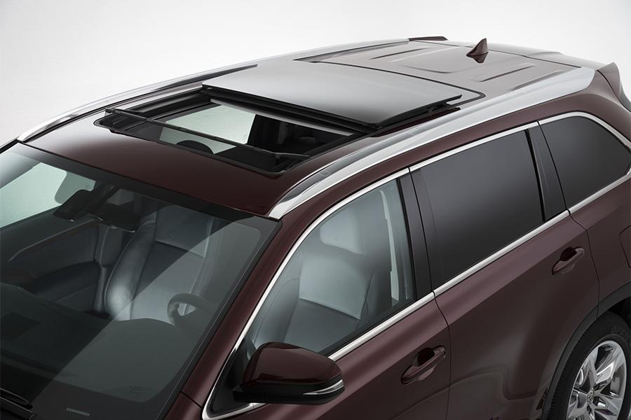 2014 Toyota Highlander For Sale >> 2016 Toyota Highlander Specs, Pictures, Trims, Colors || Cars.com