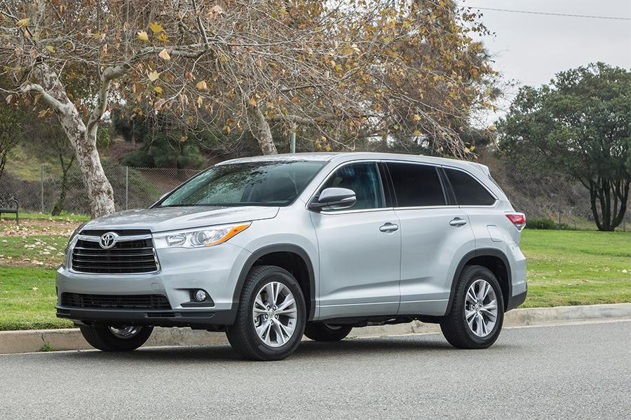 2016 Toyota Highlander Specs Pictures Trims Colors Cars Com