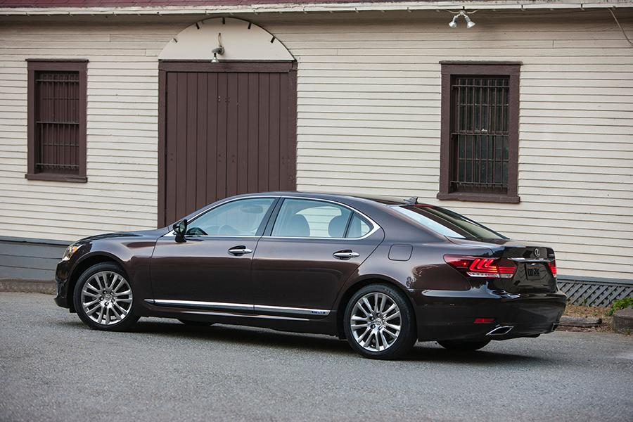 lexus ls 600h l sedan models price specs reviews. Black Bedroom Furniture Sets. Home Design Ideas