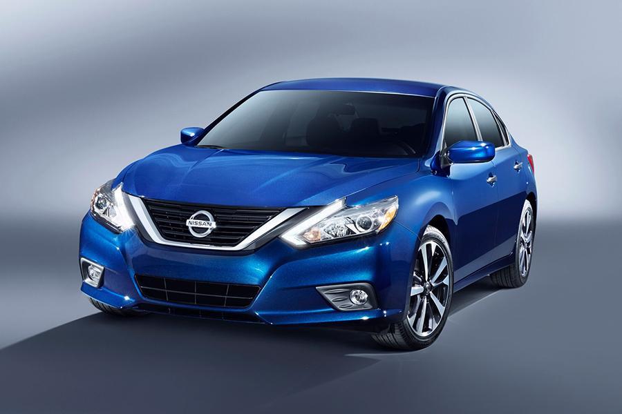 2016 Nissan Altima Overview Cars Com