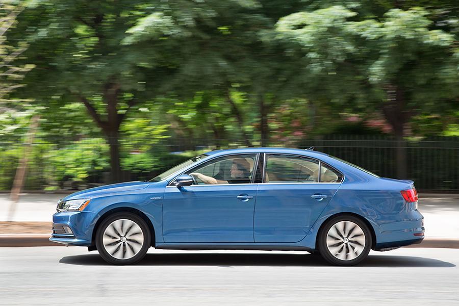 2016 Volkswagen Jetta Hybrid >> 2016 Volkswagen Jetta Hybrid Overview | Cars.com