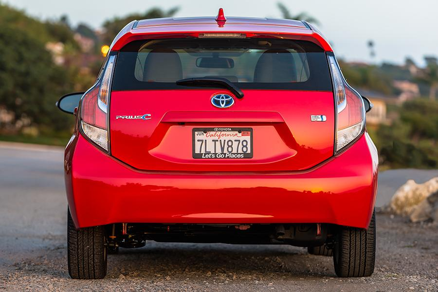 2016 Toyota Prius c Photo 3 of 16