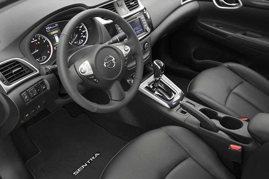 Nissan Sentra Mpg >> 2016 Nissan Sentra Specs, Pictures, Trims, Colors || Cars.com