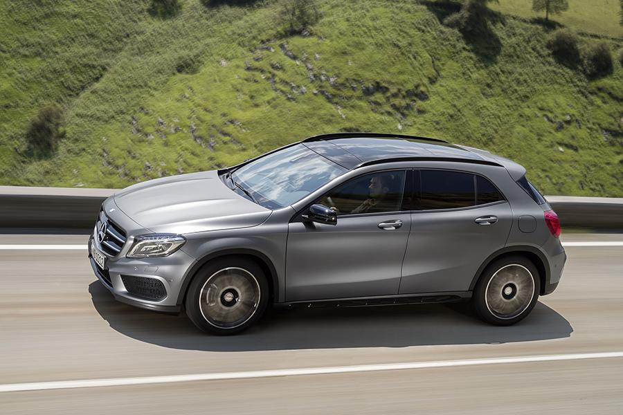 Mercedes benz gla class sport utility models price specs for Mercedes benz gla price