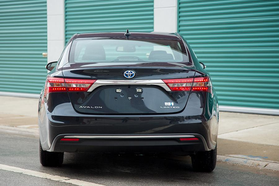 2016 Toyota Avalon Hybrid Photo 5 of 25