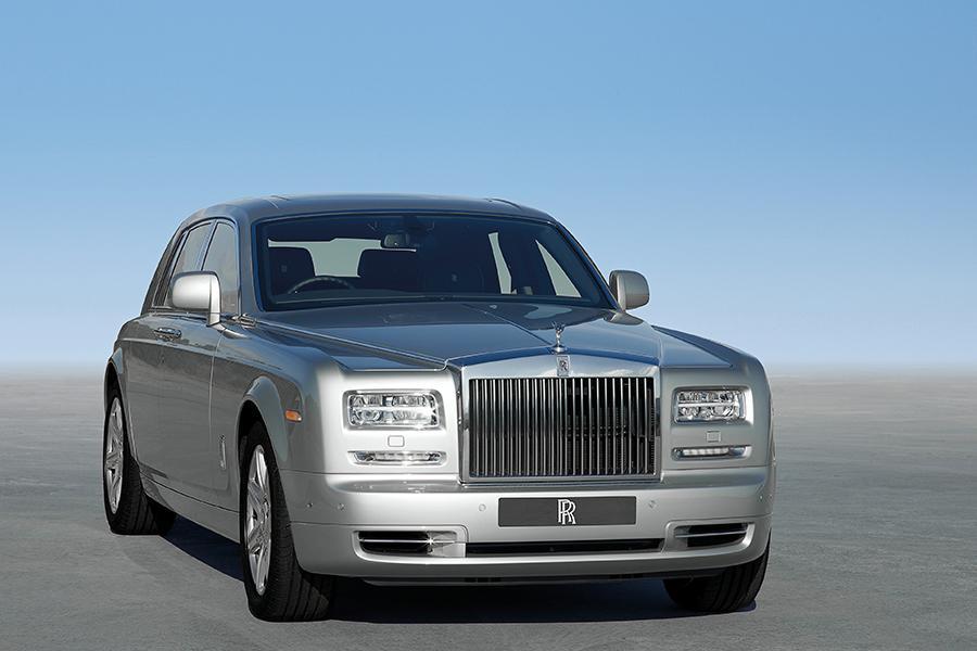 2016 Rolls-Royce Phantom Photo 2 of 8