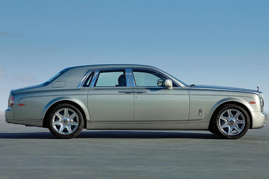 2016 Rolls-Royce Phantom Photo 3 of 8