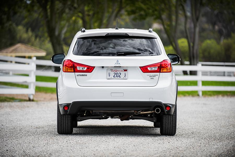 2016 mitsubishi outlander sport photo 4 of 14