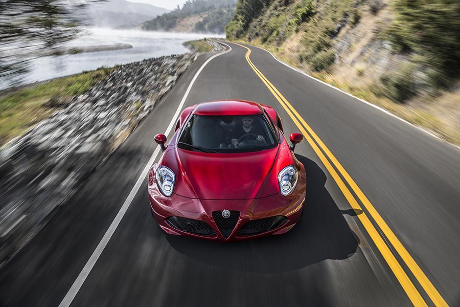 2016 Alfa Romeo 4C Photo 6 of 10