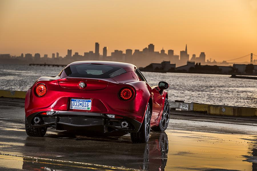 2016 Alfa Romeo 4C Photo 5 of 10