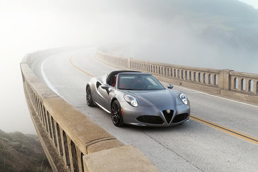 2016 Alfa Romeo 4C Spider Photo 2 of 11