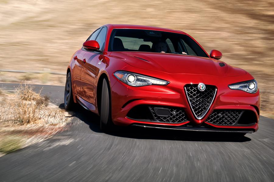 2017 Alfa Romeo Giulia Photo 2 of 21