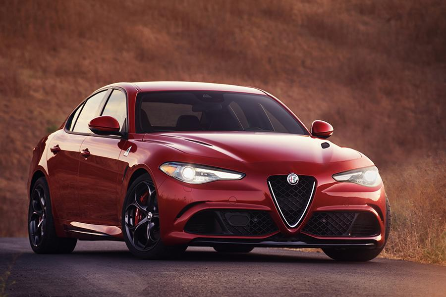 2017 Alfa Romeo Giulia Photo 1 of 21