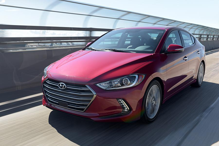 2017 Hyundai Elantra Photo 4 of 20
