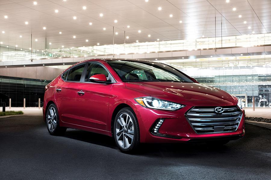 2017 Hyundai Elantra Photo 1 of 20