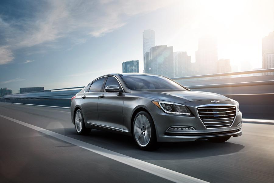 2016 Hyundai Genesis Photo 4 of 18