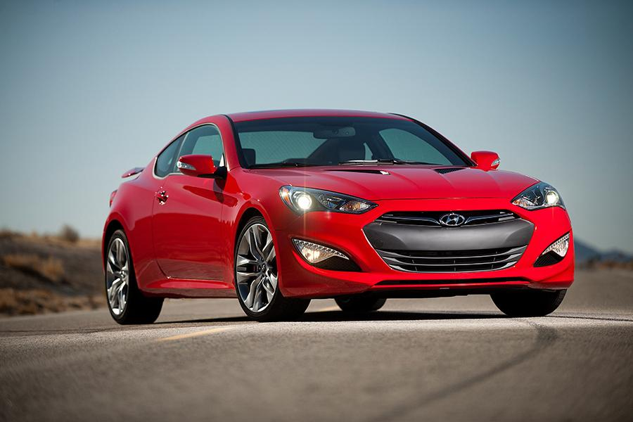 Hyundai Genesis Coupe Coupe Carscom Overview Carscom - 2016 sports cars for sale