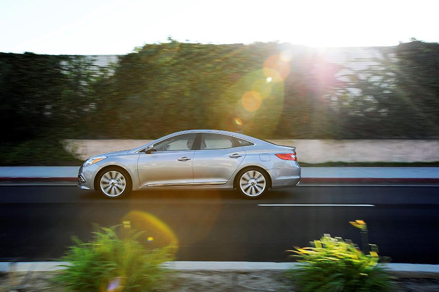 2016 Hyundai Azera Photo 6 of 13