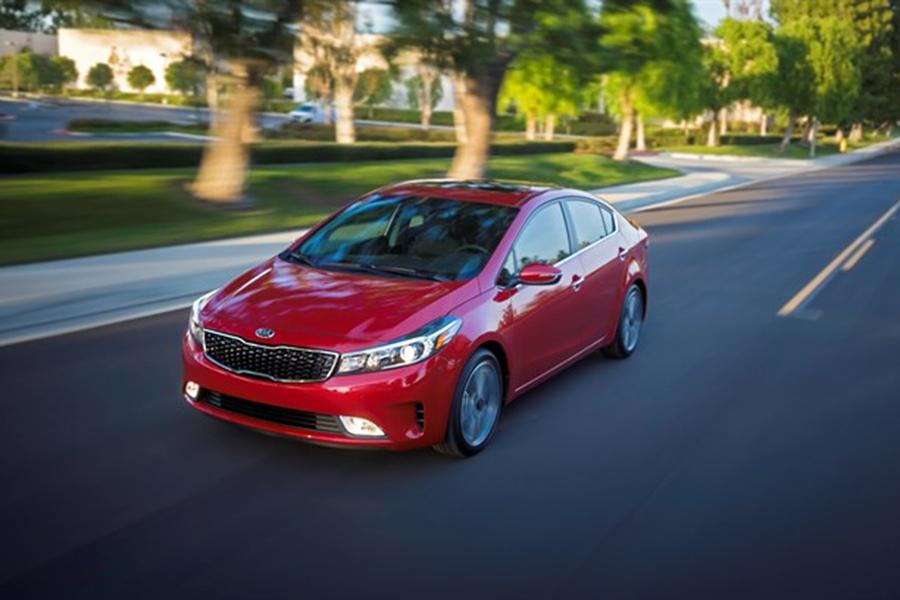 2017 Kia Forte Photo 5 of 8