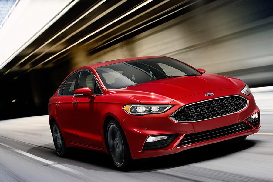 2017 Ford Fusion Media Gallery & 2017 Ford Fusion Overview | Cars.com markmcfarlin.com