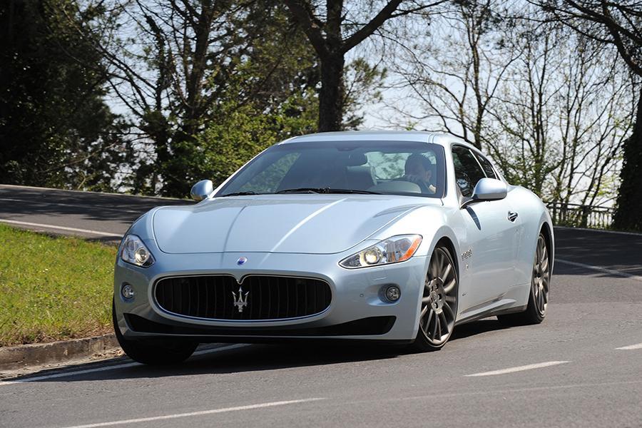 2016 Maserati GranTurismo Specs, Price, MPG & Reviews ...