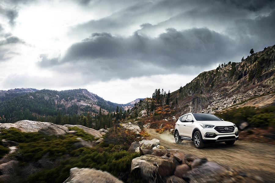 2017 Hyundai Santa Fe Sport Photo 5 of 12